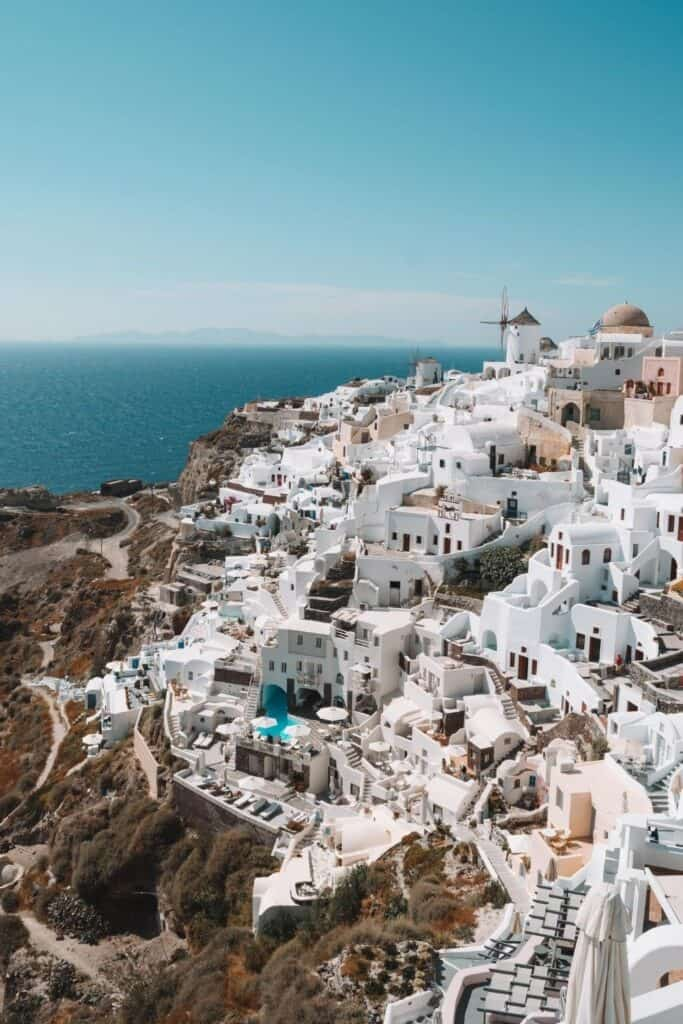 GREECE ~ 9 MUST-HAVE ITEMS TO PACK
