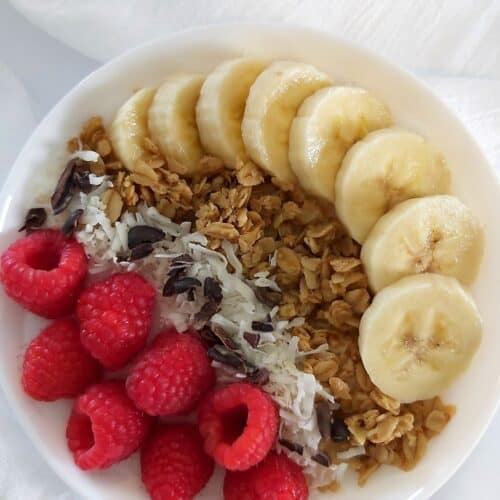 COCONUT YOGURT BREAKFAST BOWLS